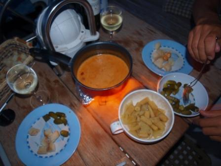 Are vwe having some homesickness already? One evening we had an improvised Swiss fondue.